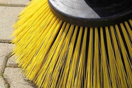 sweeper-1687445__340[1]