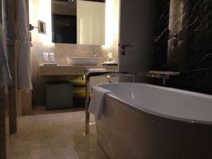 המדריך המלא להלבשת אמבטיות