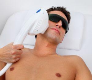 קוסמטיקאית לגברים - טיפול פנים למטרוסקסואל המודרני