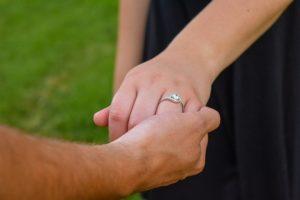 איך בוחרים טבעות אירוסין?