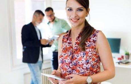 איך לפנק מישהו שעוזב את מקום העבודה