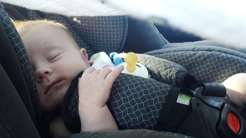 מה אומר החוק לגבי מושב בטיחות לתינוק?