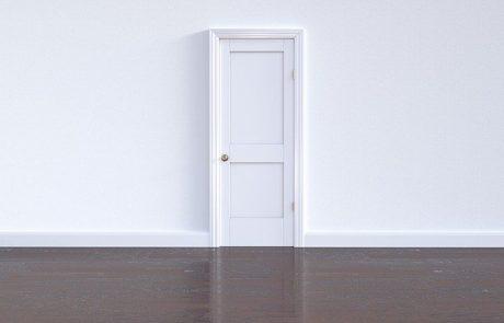 דלתות פנים פשוטות וזולות