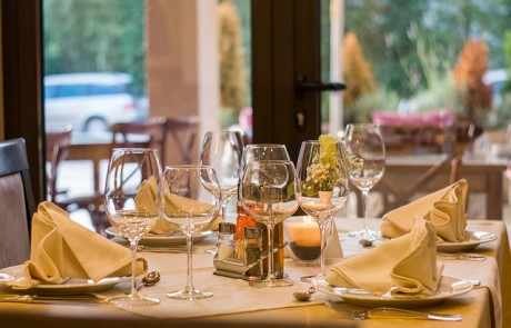 איך לבחור מסעדה און ליין
