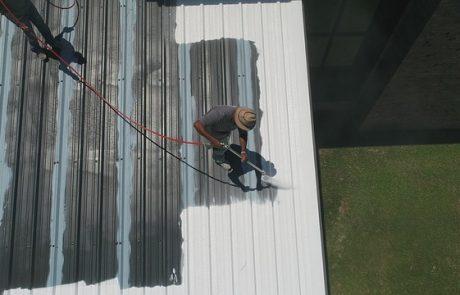 סיוד גגות – אילו חומרים משתמשים בסיוד מקצועי ?