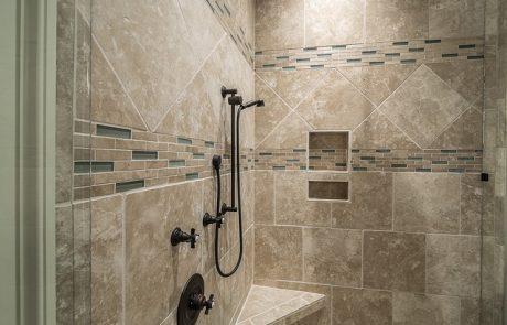 מה יותר מומלץ אמבטיה או מקלחון?